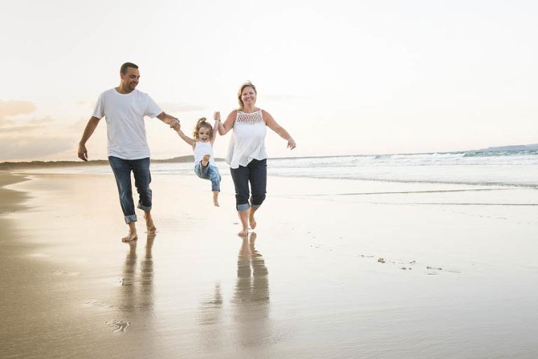 family portraits, family beach portraits noosa maian beach, set set family portraits noosa